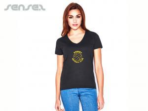 Frauen mit V-Ausschnitt T-Shirts