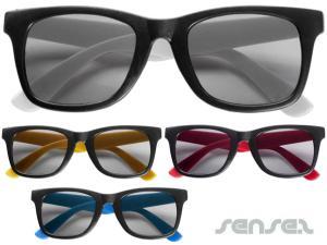 Wayfarer-Sonnenbrille mit farbigen Wappen
